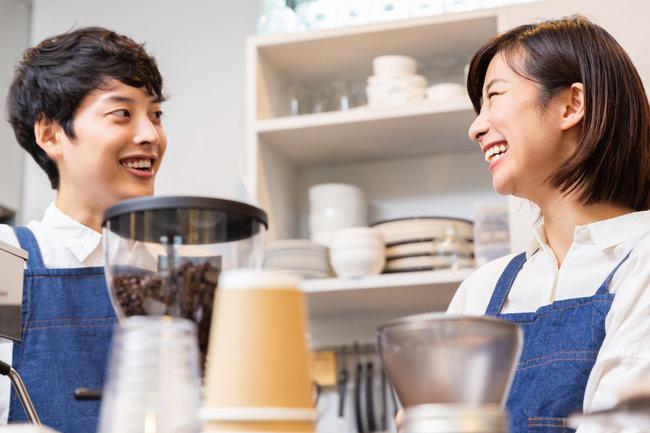 飲食店の従業員管理は何をすべき? 労務管理の多様な項目とコツ・注意点を知る